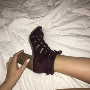 Shoes - Maroon Lace-Up heels size 8.5